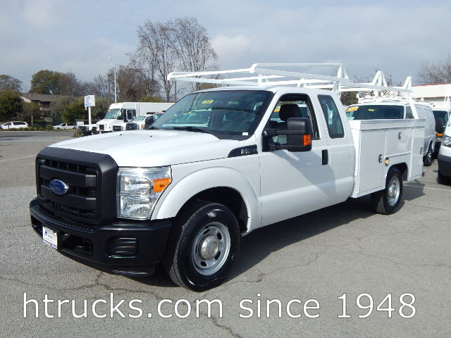 2015 Ford F250 8' SUPER CAB Utility with RACK