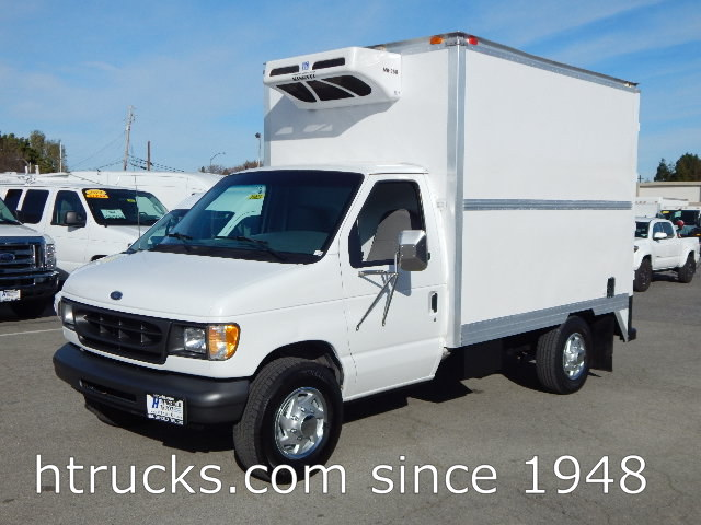 1998 Ford E350 10' REFRIGERATED Parcel Van on Single Rear Wheels